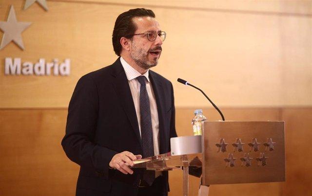 Archivo - El consejero de Hacienda y Función Pública, Javier Fernández-Lasquetty, interviene durante una rueda de prensa tras la reunión del Consejo de Gobierno, a 28 de abril de 2021, en Madrid (España).
