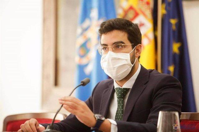 Archivo - El hasta ahora consejero de Salud Pública de Melilla, Mohamed Mohand