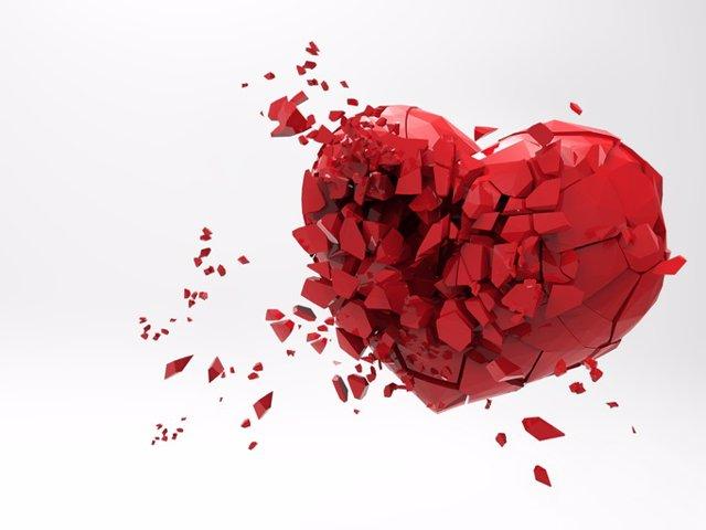 Archivo - Corazón roto.