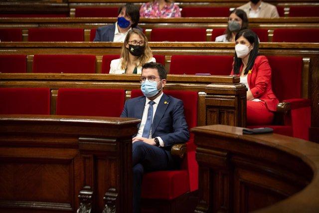 El president de la Generalitat, Pere Aragonès, durant una sessió plenària en el Parlament de Catalunya, a 29 de juliol de 2021, a Barcelona, Catalunya, (Espanya). El ple, l'últim abans de l'aturada estival, ha girat entorn de la gestió del coronavirus