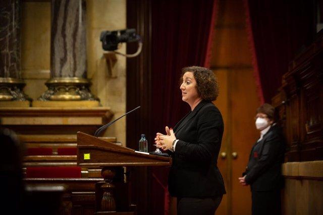 Archivo - Arxivo - La diputada del PSC,  Alícia Romero intervé en una sessió plenària en el Parlament de Catalunya, a Barcelona, Catalunya, a 15 de desembre de 2020. El Parlament va començar ahir un ple que durarà fins a divendres que ve i que serà l'últi