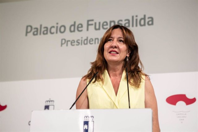 Archivo - La consejera de Igualdad y portavoz, Blanca Fernández,