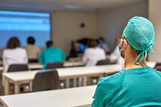 Archivo - HM Hospitales la bienvenida a la nueva promoción de residentes de Medicina y Enfermería
