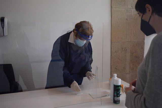 Archivo - Cribado realizado a trabajadores de la Diputación de Lugo