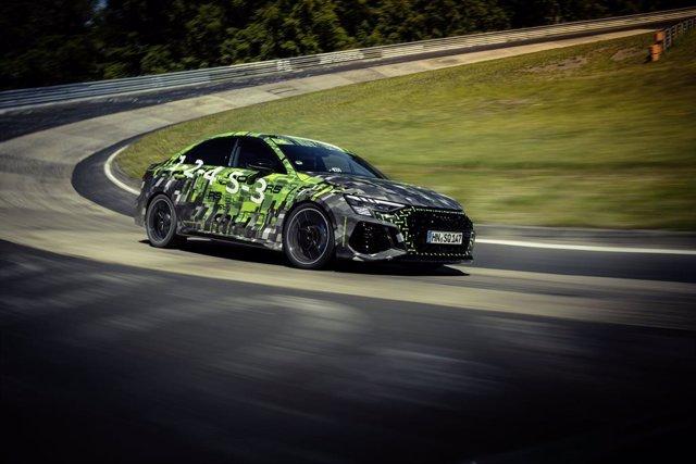 Archivo - El nuevo Audi RS 3 en el circuito de Nürburgring Nordschleife.