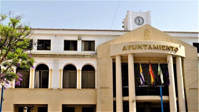 Archivo - Fachada del Ayuntamiento de Rincón de la Victoria (Málaga)
