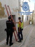 Ocho imputados por defraudación de fluido eléctrico en Jaén tras detectar la Policía 16 enganches ilegales