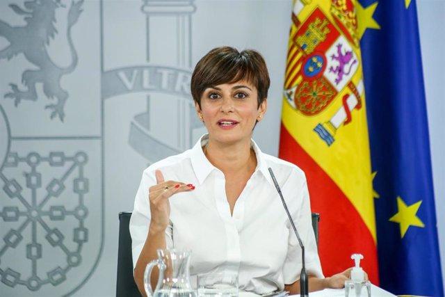 La ministra Portavoz, Isabel Rodríguez, comparece en una rueda de prensa tras una reunión del Consejo de Ministros en Moncloa, a 3 de agosto de 2021, en Madrid, (España). El Gobierno ha aprobado en su última reunión antes del parón estival varias medidas