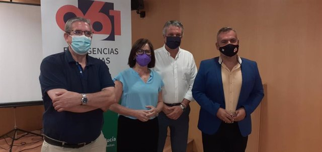 María Luz García toma posesión como directora del 061 en Almería