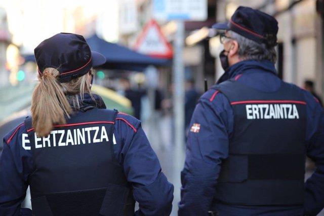 Agentes de la Ertzaintza