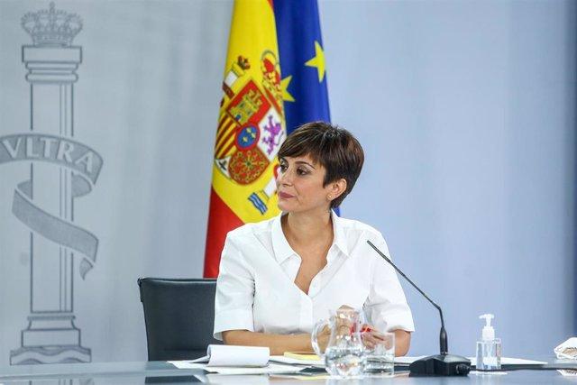 La ministra Portavoz, Isabel Rodríguez, comparece en una rueda de prensa tras una reunión del Consejo de Ministros en Moncloa, a 3 de agosto de 2021, en Madrid, (España).
