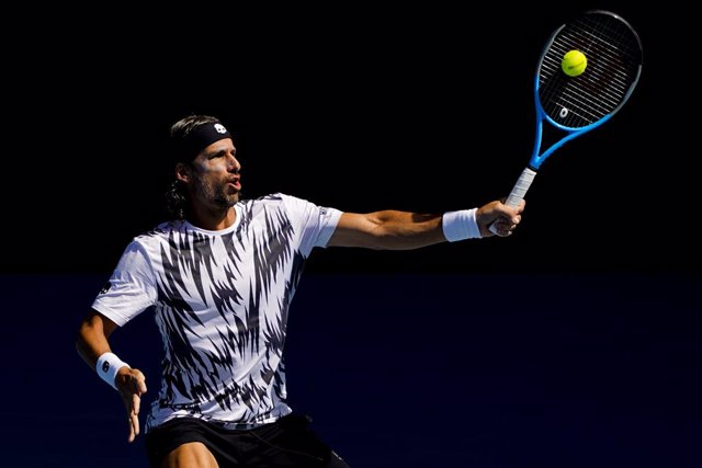 Archivo - Feliciano Lopez of Spain in action his third Round Men's singles match against Andrey Rublev of Russia on Day 6 of the Australian Open at Melbourne Park in Melbourne, Saturday, February 13, 2021. (AAP Image/Dave Hunt) NO ARCHIVING, EDITORIAL USE