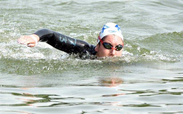 Archivo - Paula Ruiz Bravo, Women's 10 kms winner of LEN Open Water Cup