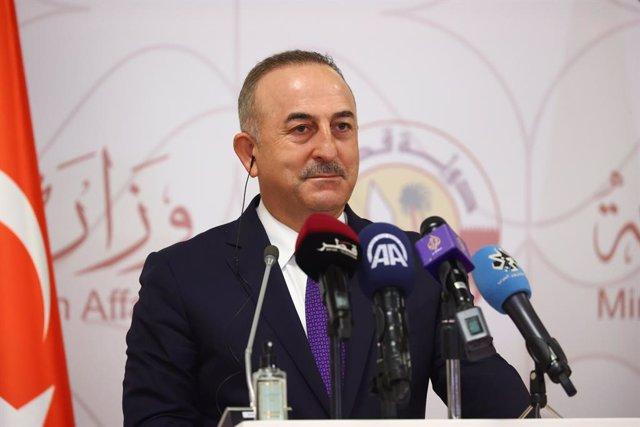 Archivo - El ministro de Exteriores de Turquía, Mevlut Cavusoglu