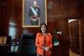 """Margarita Robles no comenta los tuits de Belarra contra Don Juan Carlos: """"pone tantos tuits que no comento ninguno"""""""