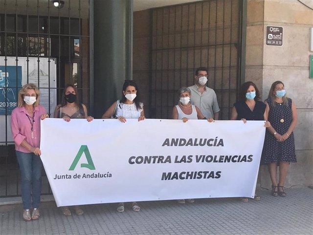 Concentración en repulsa del último asesinato machista, el segundo de la provincia de Málaga este 2021