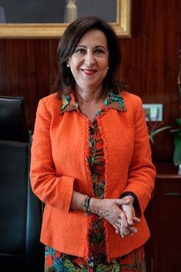 La ministra de Defensa, Margarita Robles, posa durante una entrevista con Europa Press, a 4 de agosto de 2021, en el Ministerio de Defensa, Madrid, (España).