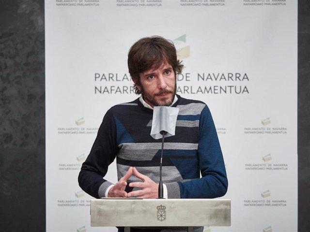 Archivo - El portavoz de Podemos en el Parlamento de Navarra, Mikel Buil