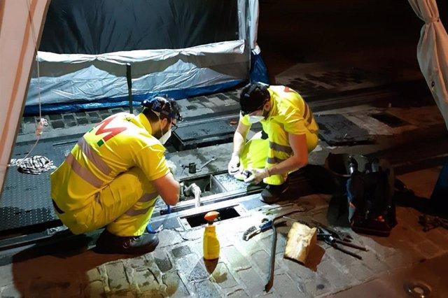 Labores de mantenimiento en el metro de Granada