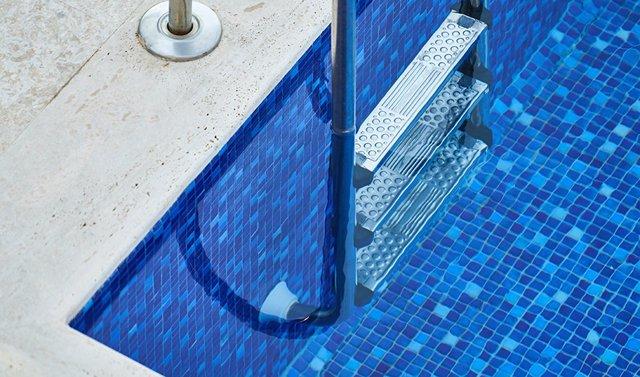 Archivo - Imagen de una piscina.
