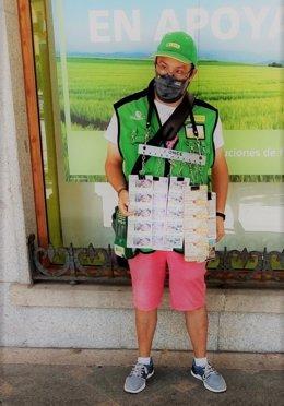 Daniel Campo, vendedor de la ONCE en Arévalo (Ávila), que ha repartido 350.000 euros de un primer premio.
