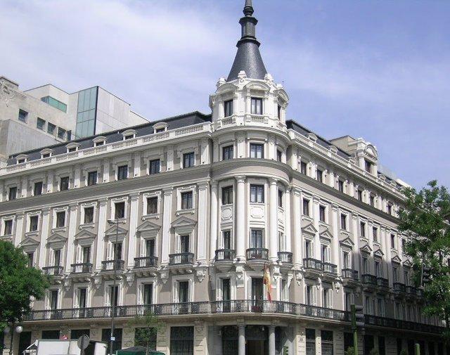 Archivo - Sede de la CNMC en Madrid