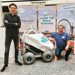 Crean 'BeachBot', un robot que detecta y extrae las colillas con la Inteligencia Artificial de Microsoft