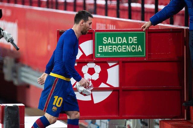 Archivo - Lionel Messi of Barcelona during Semi-finals round of Copa del Rey, football match played between Sevilla Futbol Club and Futbol Club Barcelona at Ramon Sanchez Pizjuan Stadium on February 10, 2021 in Sevilla, Spain.