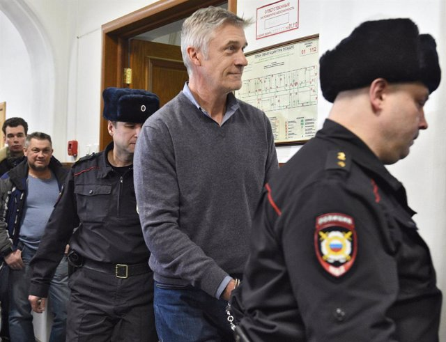 Archivo - February 16, 2019 - Moscow, Russia: Founder of the Baring Vostok investment fund Michael Calvey, charged with large scale fraud, arrives before his hearing at the Basmanny district court. The veteran U.S. investment fund manager has been detaine