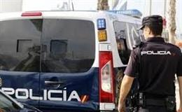 Archivo - Sucesos.- Detenido en Leganés un individuo por atracar a punta de pistola hace un año una hamburguesería