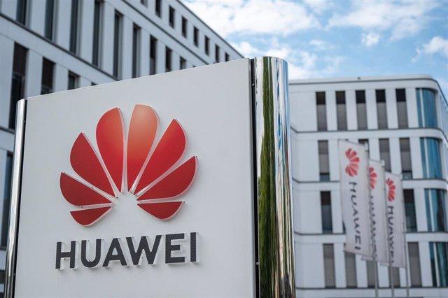 Archivo - FILED - 18 August 2020, North Rhine-Westphalia, duesseldorf: View of the Huawei Germany headquarters.