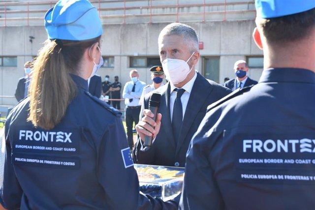 El ministro del Interior Fernando Grande Marlaska, en el acto de clausura del curso de formacin de nuevos agentes de Frontex, en la escuela de la Policía Nacional en Ávila.