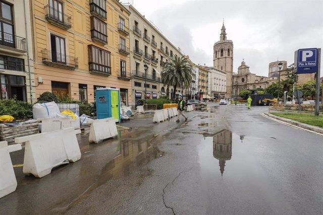 Archivo - La Plaza de la Reina de València (archivo)