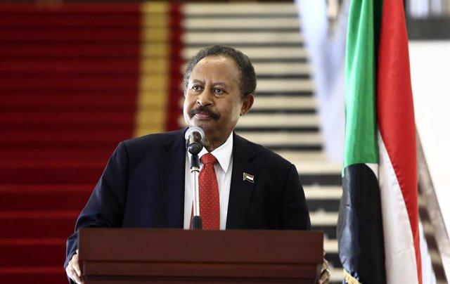 Archivo - El primer ministro de Sudán, Abdalá Hamdok