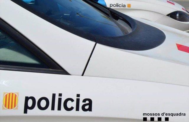 Archivo - Un coche de los Mossos d'Esquadra.