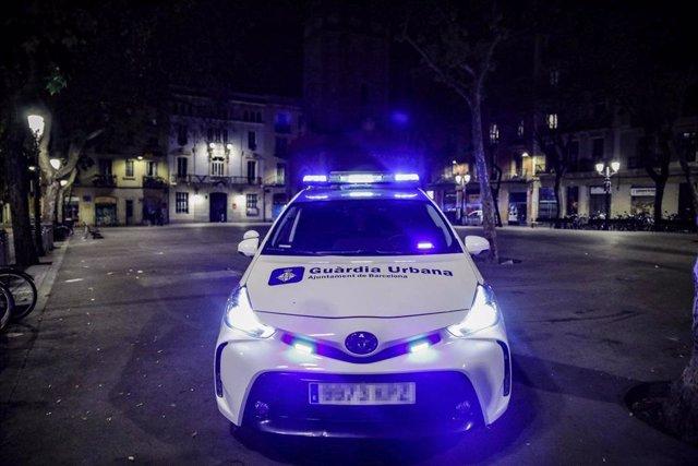 Archivo - Arxivo - Un vehicle de la Guàrdia Urbana de Barcelona.