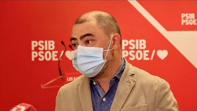 Archivo - El portavoz del PSIB, Cosme Bonet.