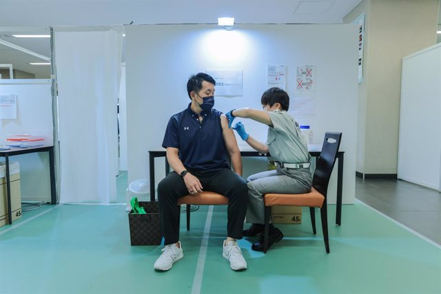 Centre de vacunació contra el coronavirus a Tòquio