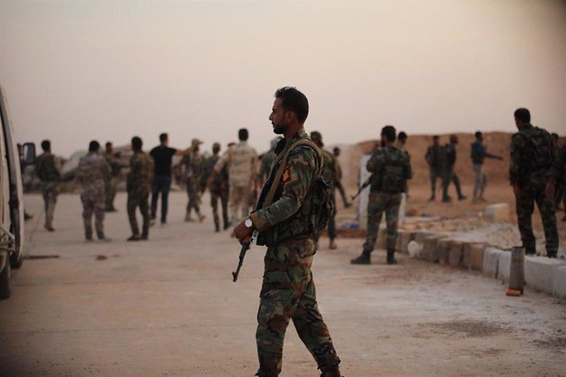 Archivo - Arxiu - Soldats sirians a la base d'Al Tabqa