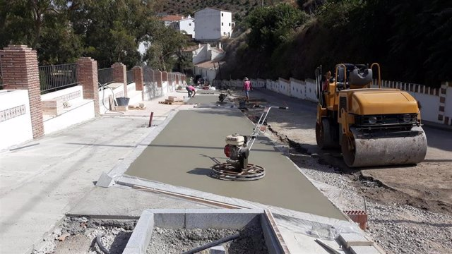 Obras de mejora en el acceso a La Viñuela