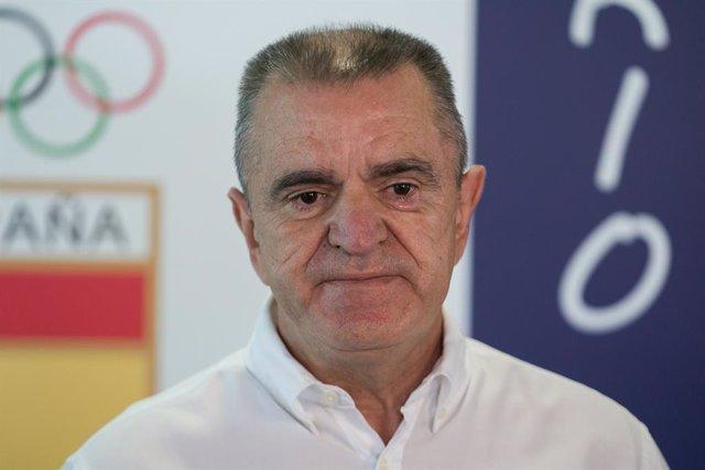 El presidente del Consejo Superior de Deportes (CSD), José Manuel Franco, atiende a los medios para valorar el papel de los deportistas españoles durante los Juegos Olímpicos de Tokio 2020, a 7 de agosto de 2021, en Madrid (España). El presidente del CSD