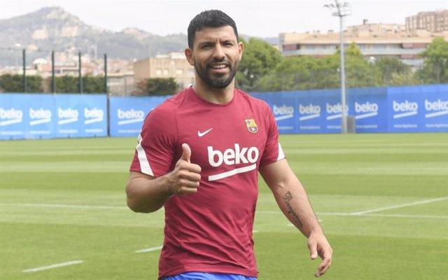 El jugador del FC Barcelona Sergio 'Kun' Agüero en el seu primer entrenament de pretemporada amb l'equip blaugrana