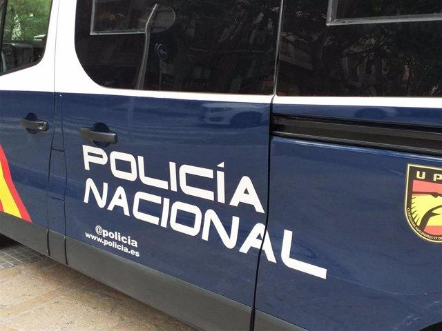 Archivo - Furgón de la Policía Nacional.