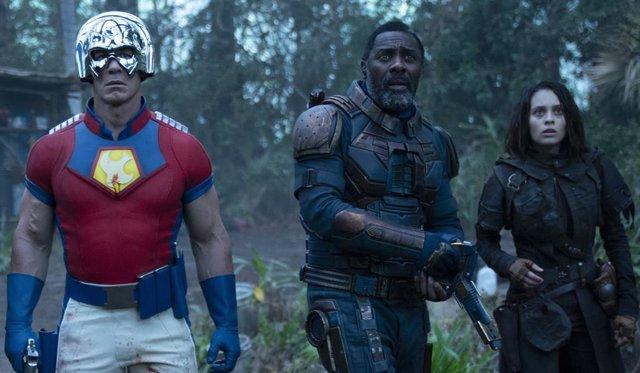 John Cena, Idris Elba y Daniel Melchior en El Escuadrón Suicida