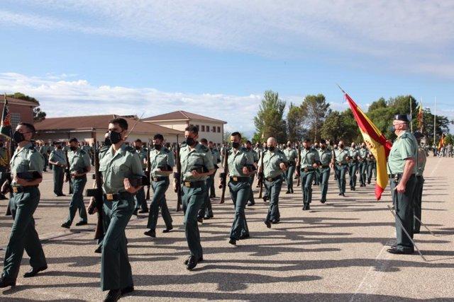 Archivo - Jura de bandera de la 126 promoción de guardias de la Academia de la Guardia Civil en Baeza.