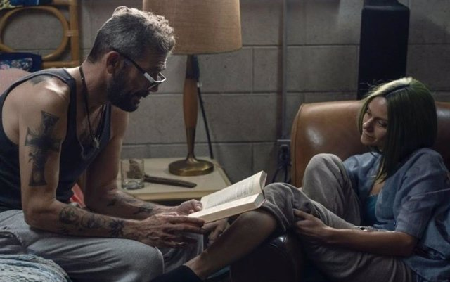 Jeffrey Dean Morgan Y Hilarie Burton En La Temporada 10 De 'The Walking Dead'.