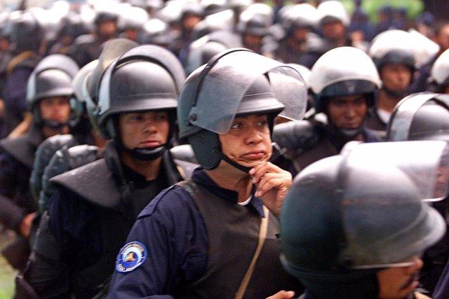 Archivo - Agentes de la Policía en Nicaragua