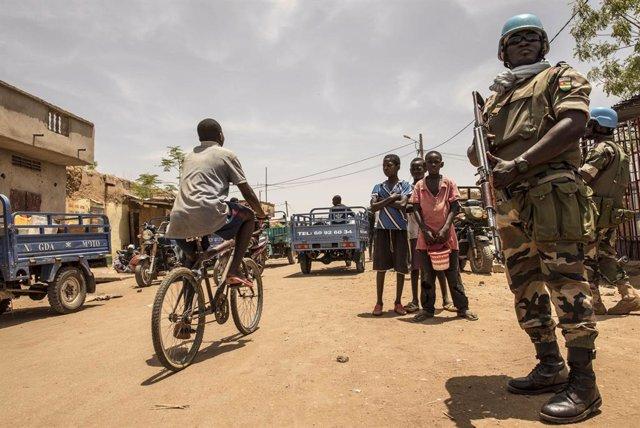 Archivo - Un efectivo de la MINUSMA en Malí