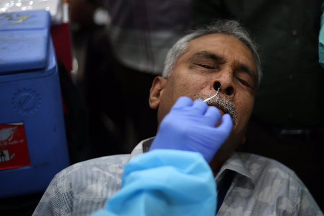 Prueba de coronavirus en India