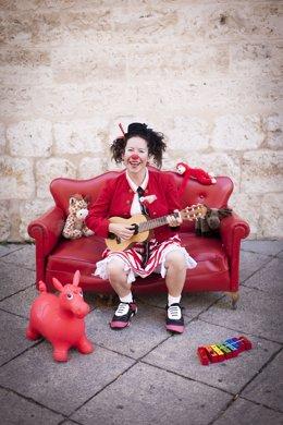 Archivo - La artista vallisoletana Alicia Sanz representará su espectáculo de clown en Vallsur